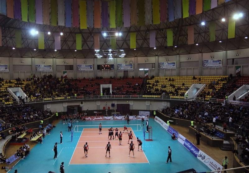 لیگ ملت های والیبال، تشویق استرالیا، توزیع پرچم ایران و بی خبری ماموران
