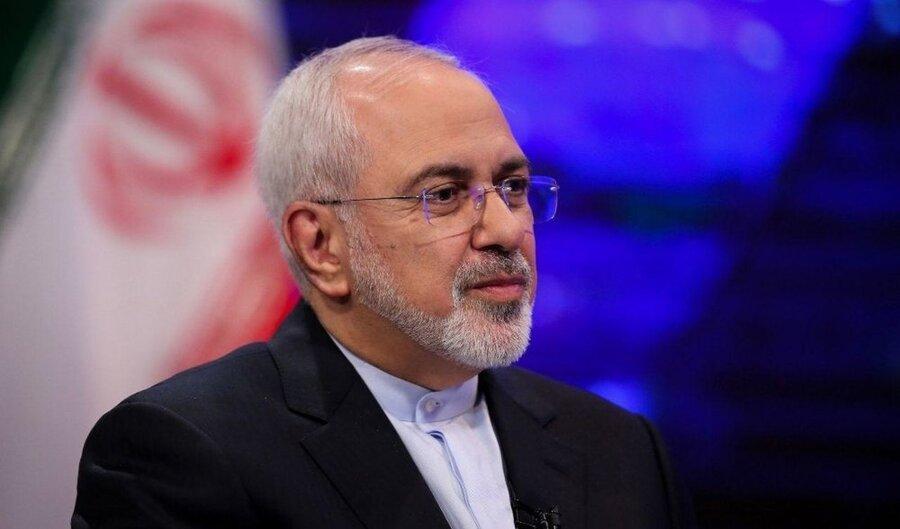ظریف: ایران از مرز تولید 300 کیلو اورانیوم غنی شده عبور کرد