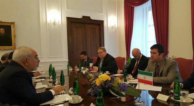 ظریف: لاریجانی نیمه دوم ژانویه به پراگ سفر می نماید