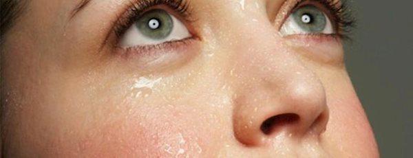 خوبی ها و بدی های عرق کردن برای پوست