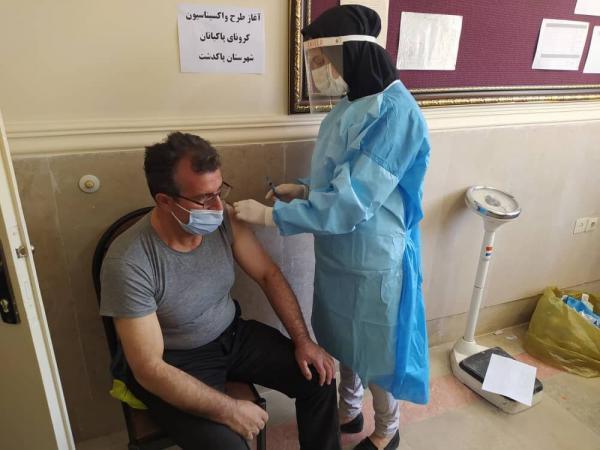 خبرنگاران هشت میلیون ایرانی در فاز دوم علیه کرونا واکسینه می شوند