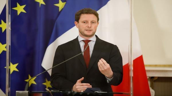 تور ارزان اروپا: فرانسه: اتحادیه اروپا باید به خودمختاری استراتژیک دست یابد